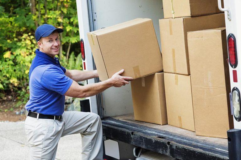 Водитель поможет с размещением груза в автомобиле для дополнительной сохранности хрупких вещей.